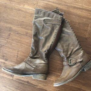 Madden Girl Cactuss Boots
